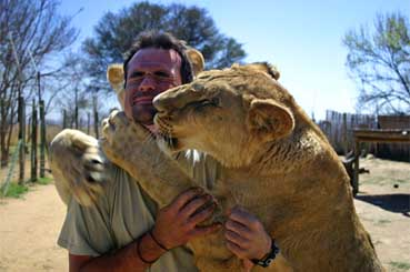 kevin richardson leon